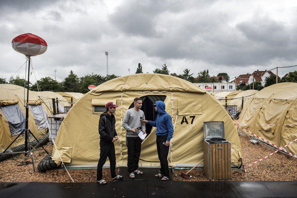 Efter to år lukkes tom teltlejr til flygtninge helt ned og