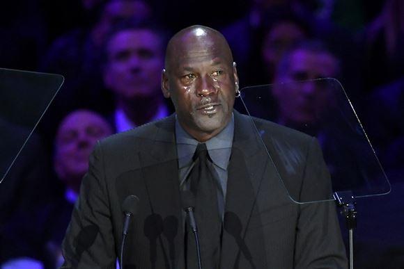 Stjerner tog tårevædet afsked med Kobe Bryant
