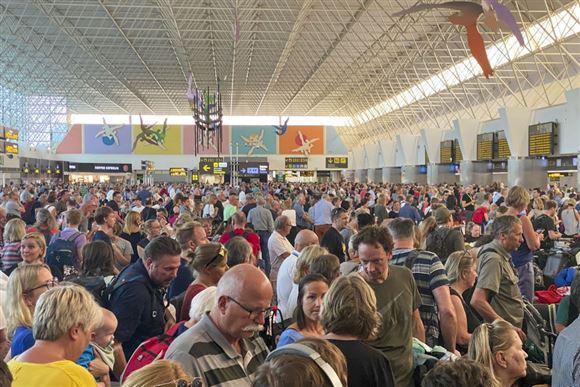 Påkørsel i Tenerifes lufthavn forsinker 180 SAS-passagerer