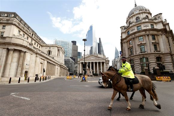 Dødsofre for corona stiger markant i England