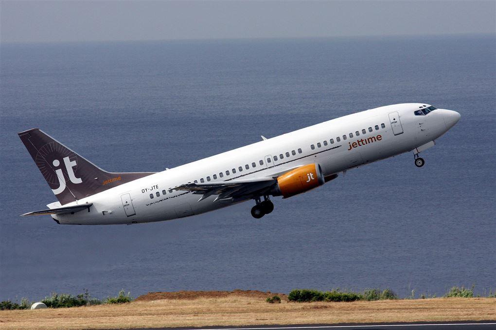 Et fly fra firmaet Jet Time letter fra lufthavnen i Sao Paolo