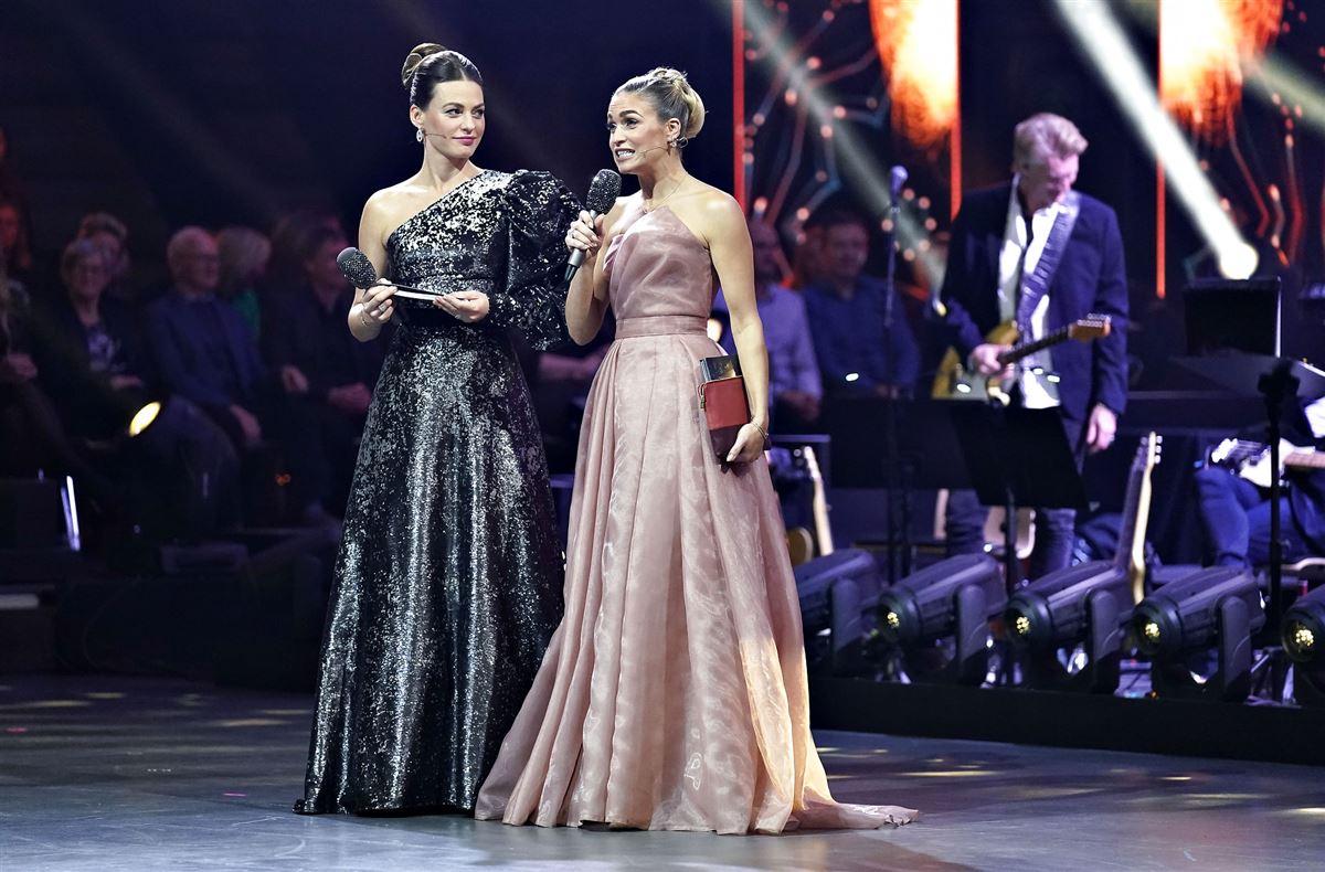 Vild med Dans-værterne Christiane Schaumburg-Müller og Sarah Grünewald på scenen i tv2-programmet