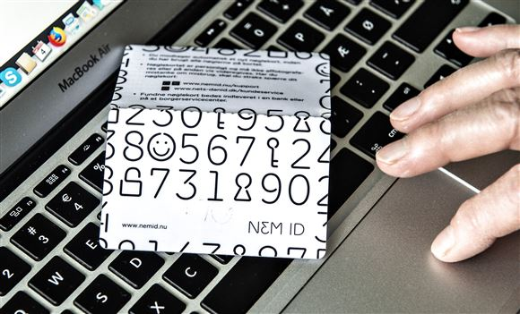 Computer og nemid-kort
