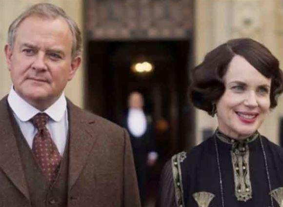 Hugh Bonneville med sin medskuespillerinde fra Downton Abbey