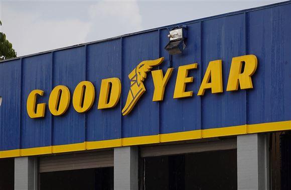 Et firmaskilt fra dækproducenten Goodyear