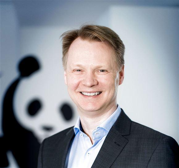 portrætbillede af smilende Bo Øksnebjerg