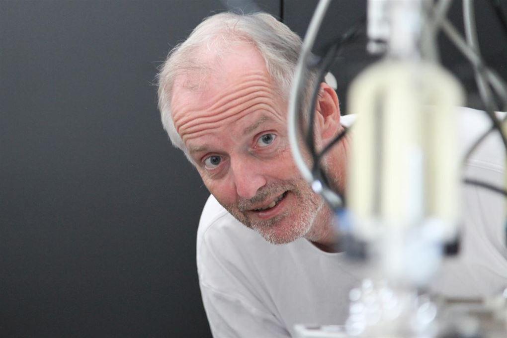 PÅ billedet er det professor i robotteknologi Henrik Gordon Petersen