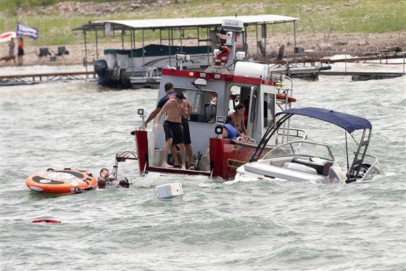 Båd ved at synke