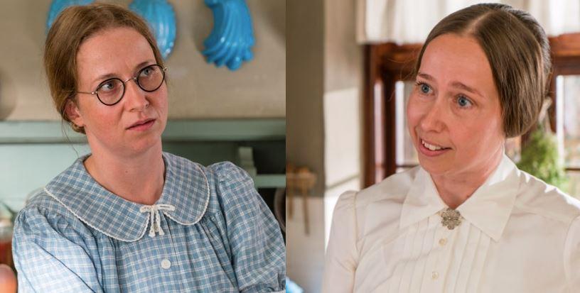 Billede af de to skuespillere fra Badehotellet i deres stuepige-dragter
