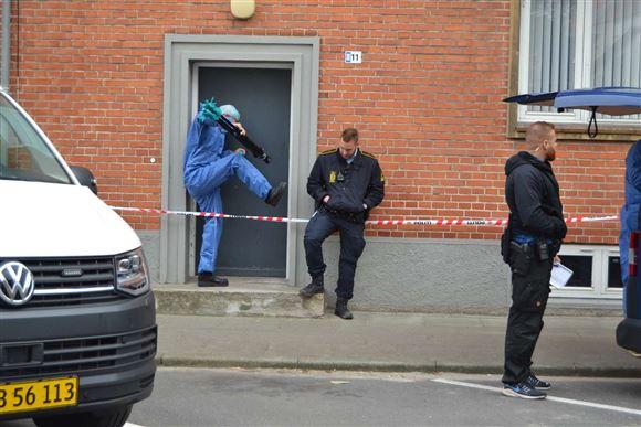 Politiet til stede på Reberbanevej i Randers
