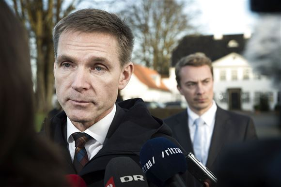 Kristian Thulesen Dahl med Morten Messeschmidt i baggrunden