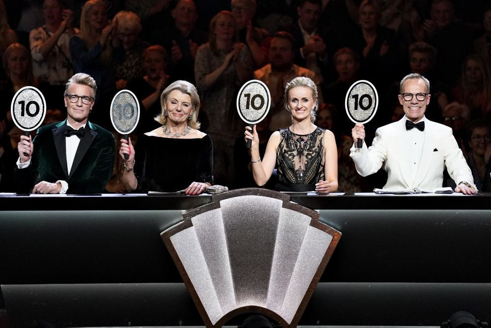 Billede af fire dommere i Vild med dans