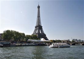 Eiffeltårnet set fra Seinen