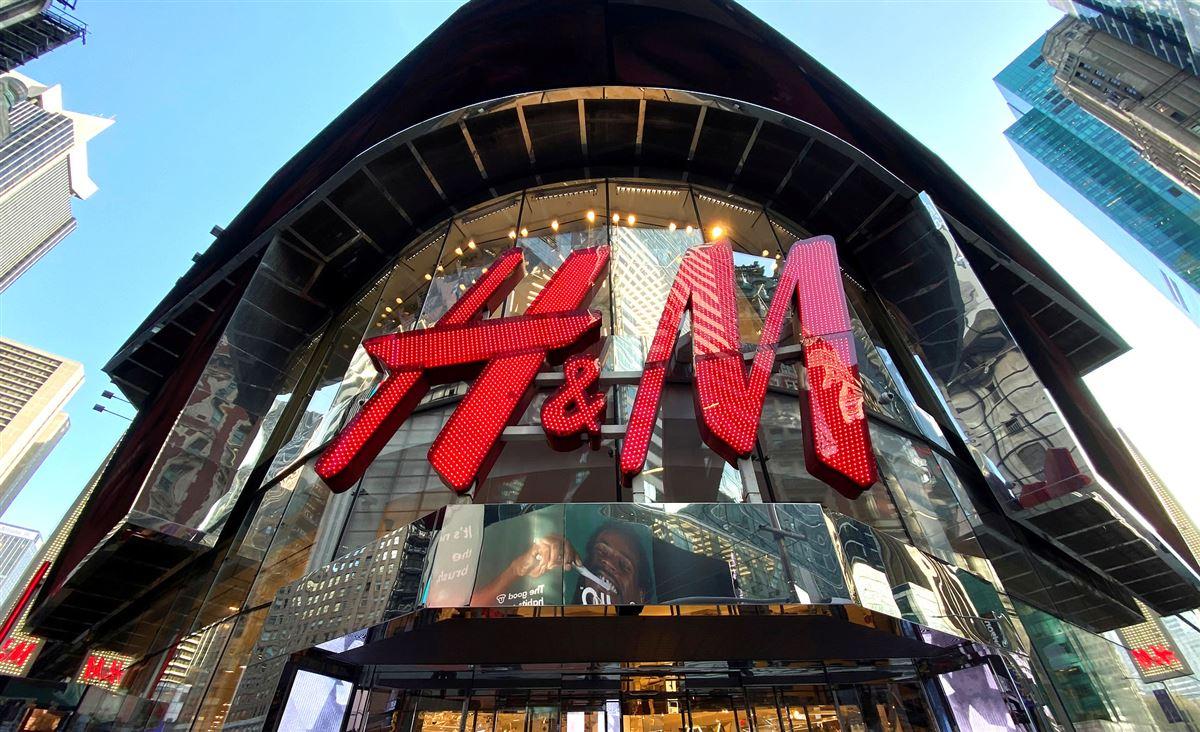 Hennes og Mauritz facade på Manhattan i New York