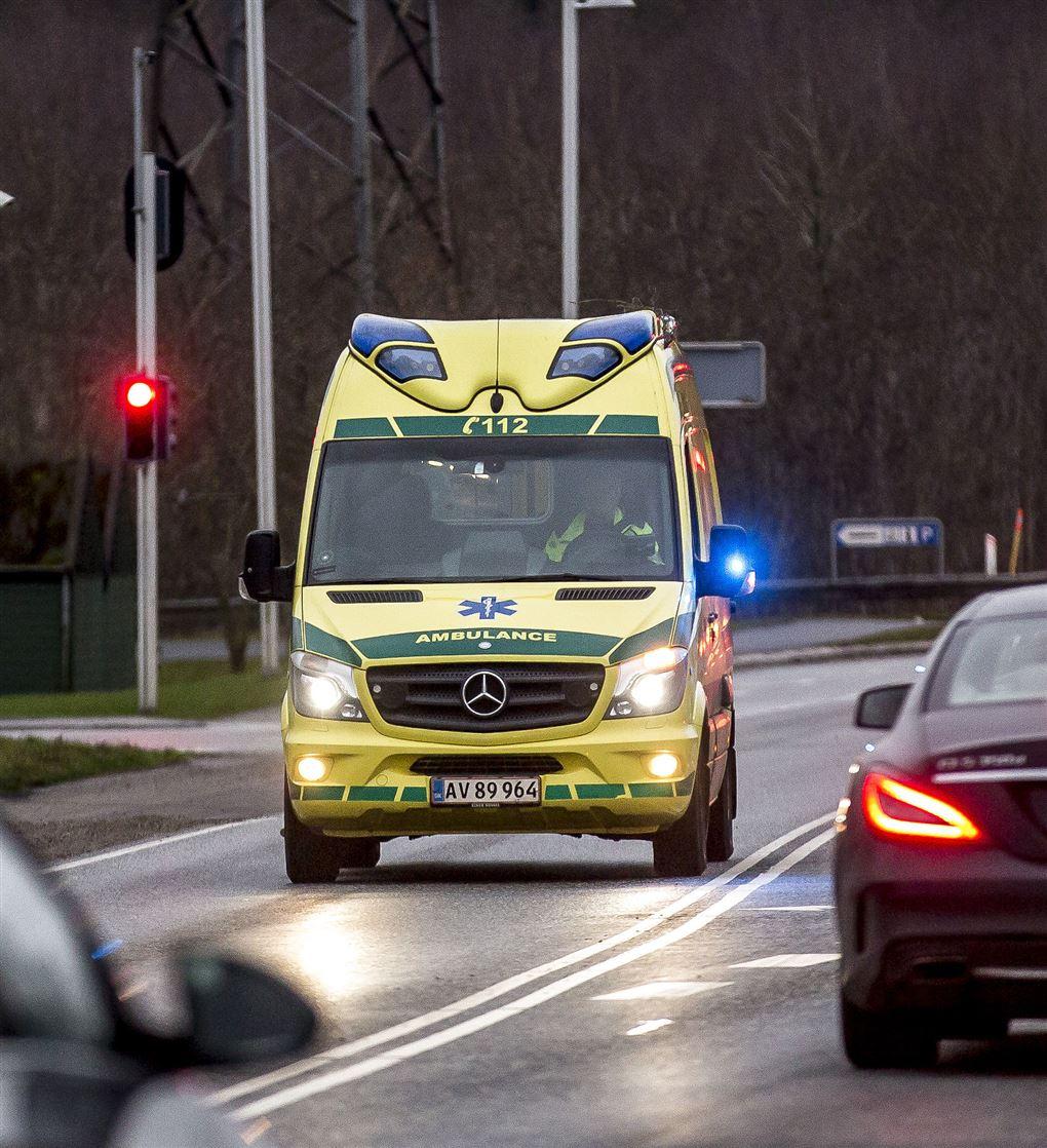 En ambulance i fuld fart