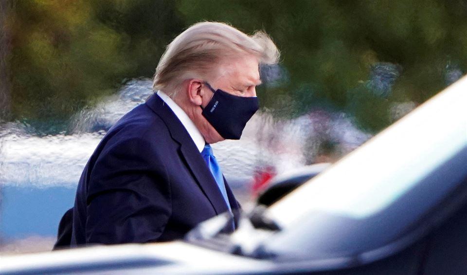 Donald Trump med ansigtsmaske
