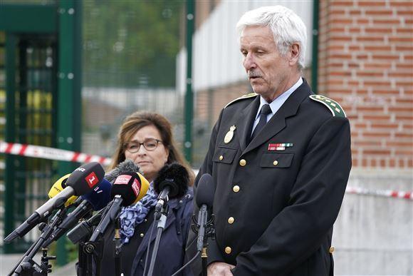 Politinspektør Mogens Lauridsen taler ved pressemøde