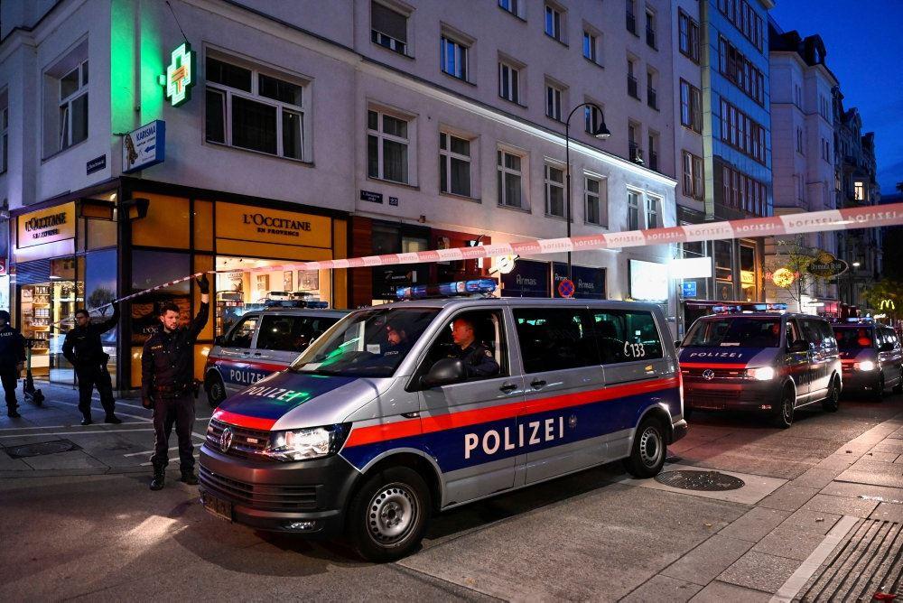 Politbiler og afspærring på gaden i Wien