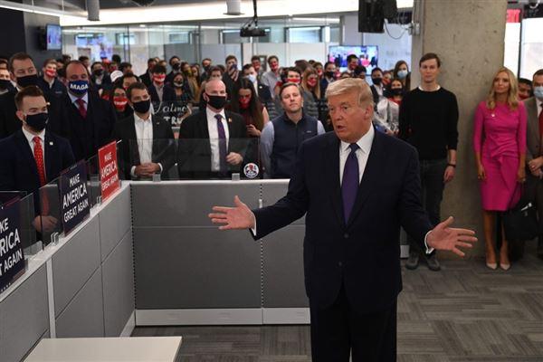 Trump taler på valgkontor