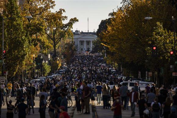 Demonstranter foran Det Hvide Hus