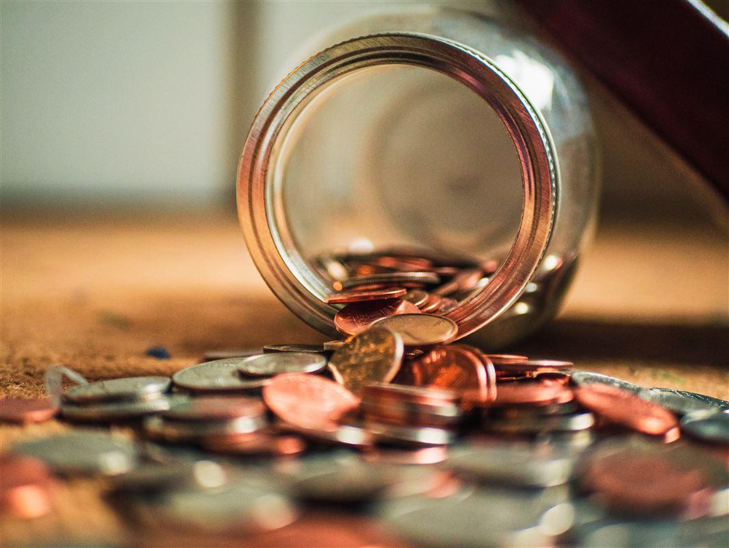 mønter i krukke
