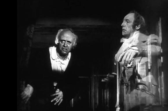 sort hvidt billede med to ældre skuespillere