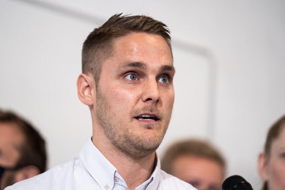 Veganerpartiets partileder Henrik Vindfeldt på pressemøde