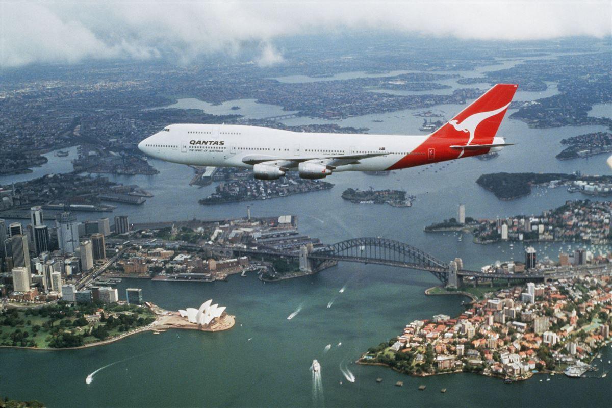 fly fra qantas i luften over Sydney