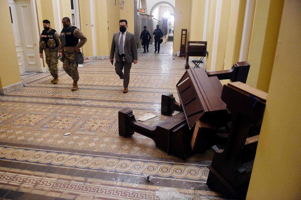 væltede møbler inde i den amerikanske kongres