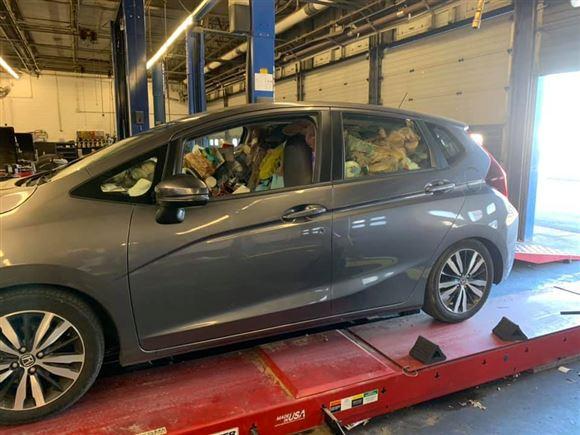 bilen ses på værkstedet
