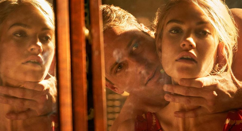 Armie Hammer ses sammen med Lily James i filmen Rebecca