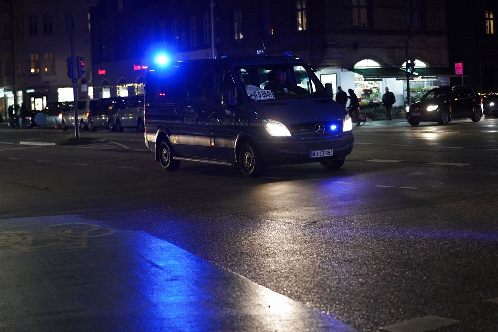 Politibil med udrykning