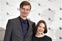 Amalie Dollerrup og hendes mand Andreas Jebro til en prisuddeling.