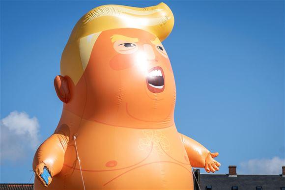 ballon der forestiller Donald Trump som baby
