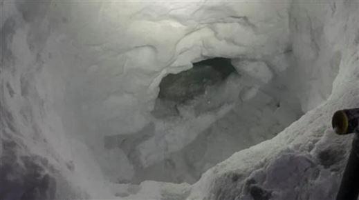 En snehule indeni