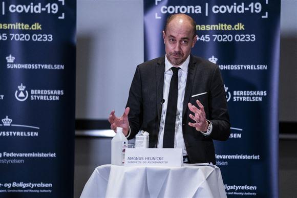 Magnus Heunicke på et pressemøde