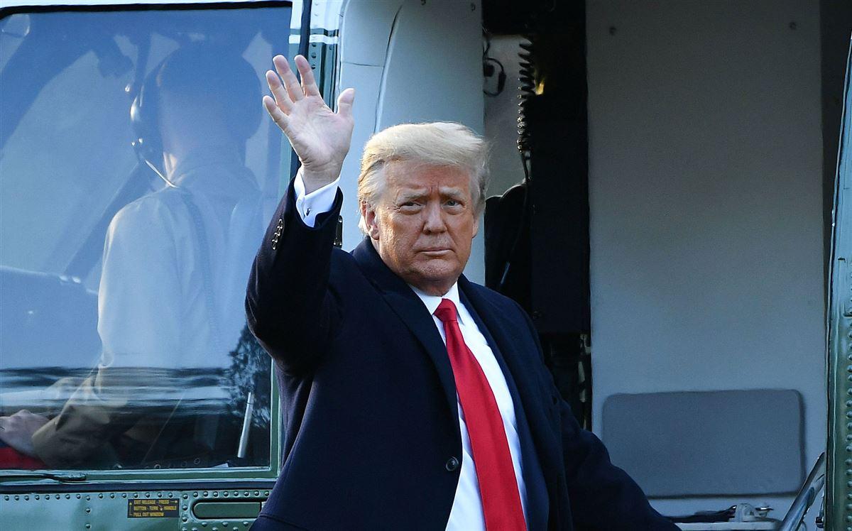 Trump vinker