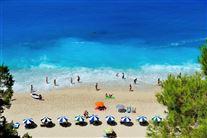 græsk strand set fra oven