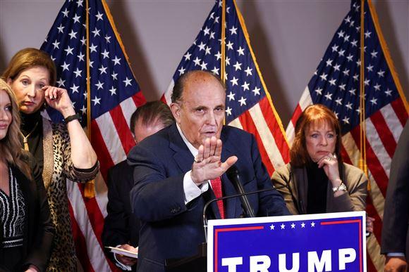 Rudy Giuliani på talerstolen
