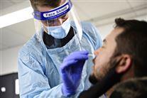 Mand testes med lyntest med podning i næsen