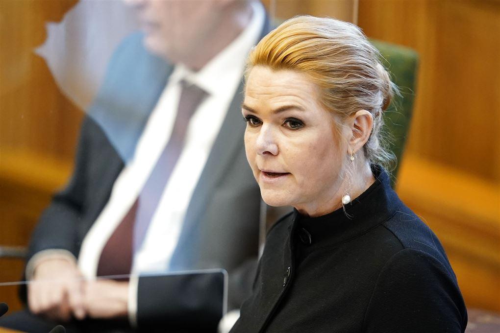Inger Støjberg taler fra folketingets talerstol