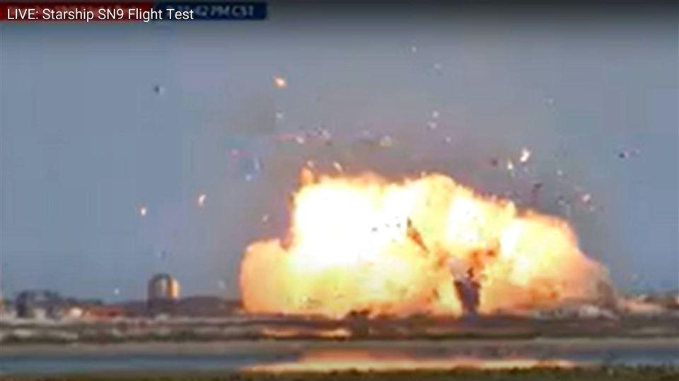 raketten ses eksplodere