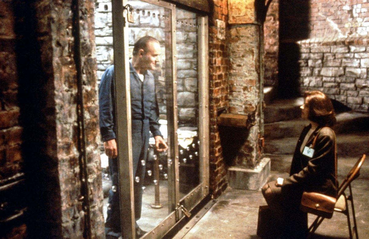 Jodie Foster og Anthony Hopkins i en scene fra filmen.