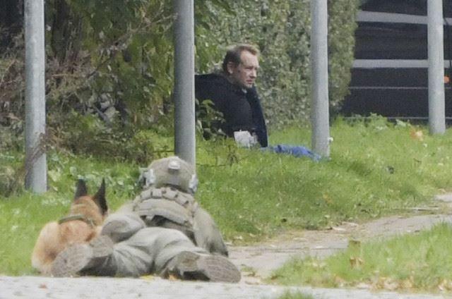 Peter Madsen sidder op ad hegn