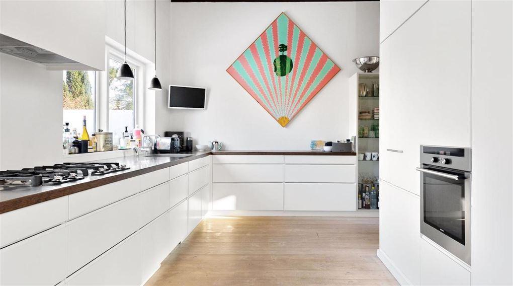 Nyt hvidt moderne køkken