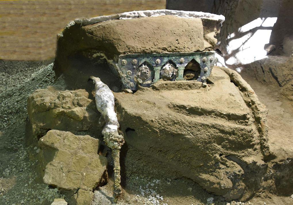 Romersk stridsvogn dækket af jord