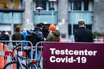 folk venter ved testcenter