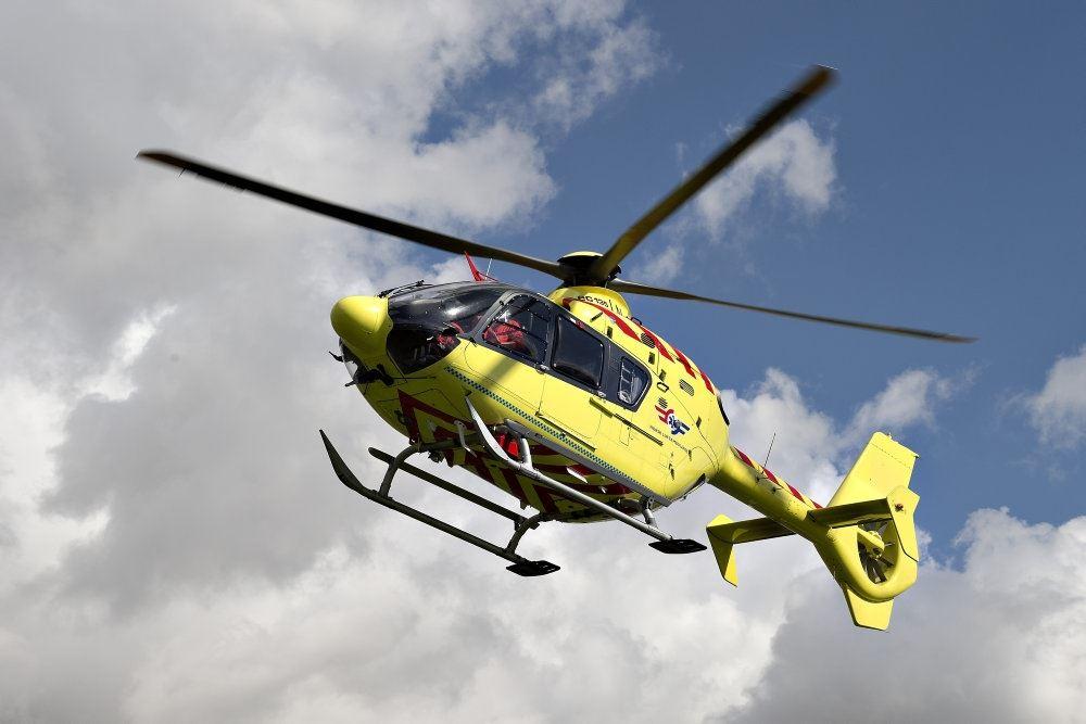 helikopter ses i luften