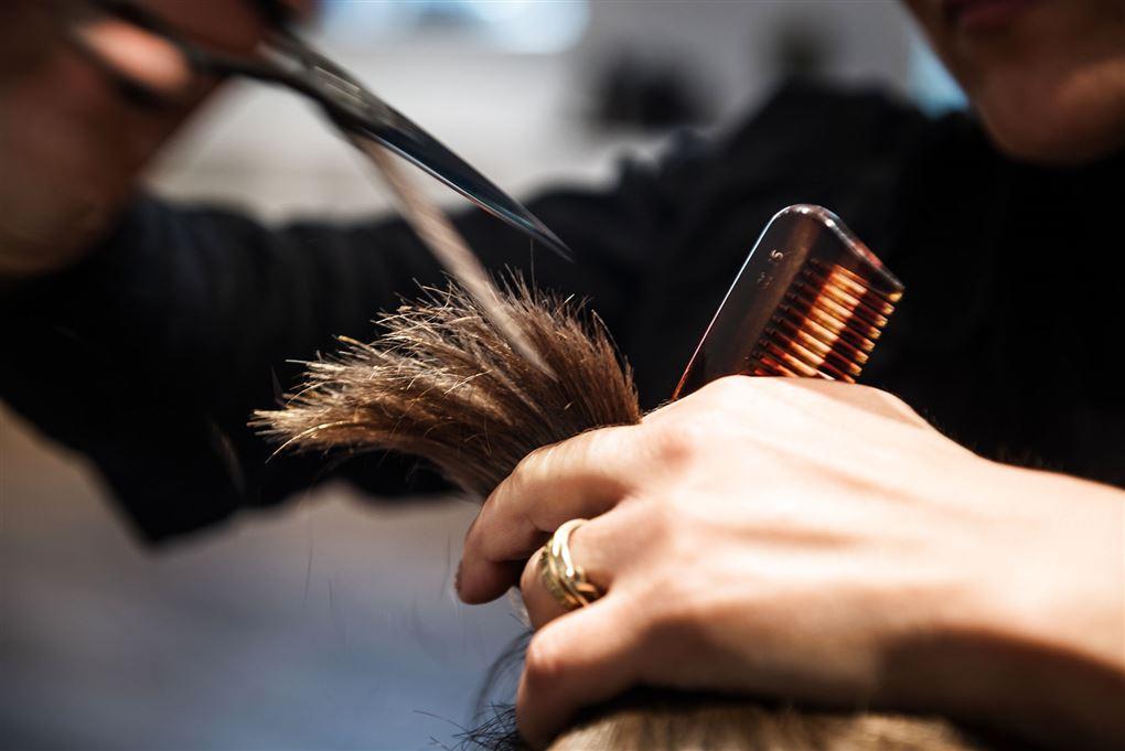 Saks klipper i hår