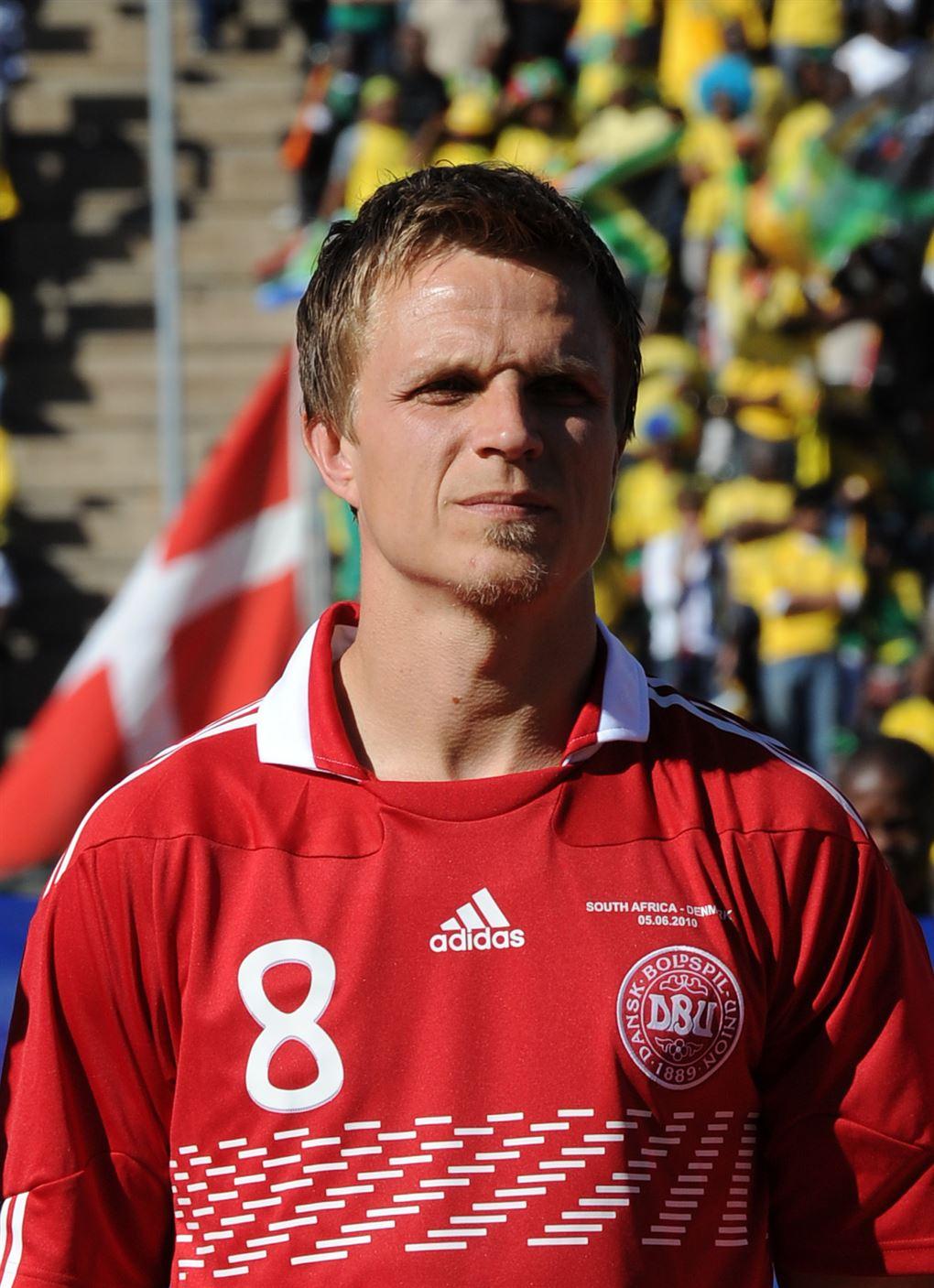 Jesper Grønkjær i de rød og hvide farver.